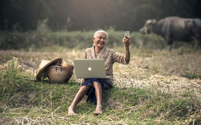 Picture Granny, the situation, iPhone, Asia, selfie, mood, advanced, Apple, MacBook, smartphone, laptop