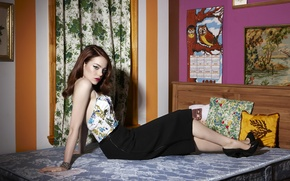 Picture look, bed, actress, Emma Stone, Emma Stone