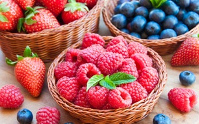 Picture berries, raspberry, blueberries, strawberry, basket, fresh, berries