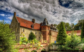 Picture the sky, the sun, house, pond, HDR, Germany