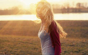 Picture girl, the sun, river, blonde
