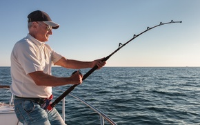 Picture man, fight, boat, strength, deep sea fishing