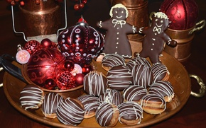 Picture toys, chocolate, cookies, gingerbread men