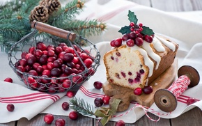 Picture winter, branches, berries, food, spruce, red, tree, basket, Christmas, bumps, muffin, dessert, cakes, holidays, New ...