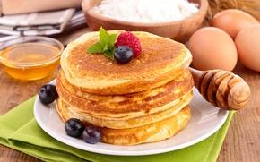 Picture berries, raspberry, food, blueberries, honey, spoon, dishes, pancakes, flour, pancakes, pancakes