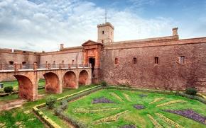 Picture bridge, design, castle, lawn, wall, tower, yard, Spain, the bushes, Barcelona, Montjuic Castle