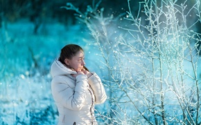 Picture girl, snow, morning, frost