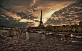 Picture Eiffel tower, Paris, promenade