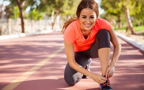 Picture woman, workout, running, jogging, sporty outf, warming up, lafestyle