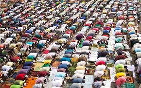 Picture religion, the threat, fanaticism