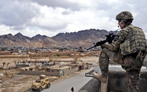 Picture weapons, soldiers, Afghanistan