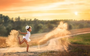 Picture girl, dust, Dancing with dust, sand