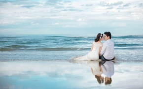 Picture sea, beach, the sky, reflection, bouquet, horizon, pair, the bride, wedding, the groom, a crown …