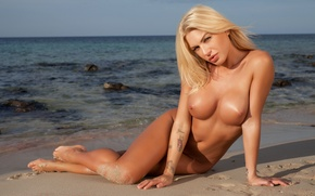 Wallpaper sand, sea, chest, look, the sun, pose, stones, shore, model, naked, makeup, figure, horizon, tattoo, ...