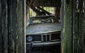 Picture machine, the barn, scrap