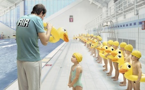 Picture children, pool, duck, coach