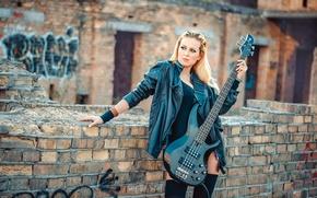 Picture girl, guitar, brick, jacket, blonde, the ruins, in black, kozhanka
