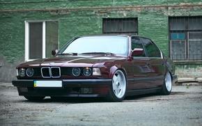 Picture BMW, dark red, E32