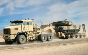 Picture road, the sky, truck, tank, movers, truck, Trak, Oshkosh, Oshkosh, HET, M1070A1
