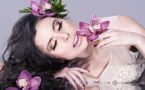 Picture girl, flowers, eyelashes, reflection, model, hand, makeup, beautiful, lips, curls, manicure, face. hair