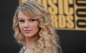 Picture look, blonde, Taylor Swift