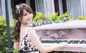 Wallpaper girl, smile, keys, piano