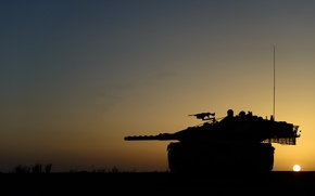 Picture sunset, weapons, tank