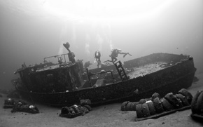 Picture surface, garbage, tires, divers, the bottom of the sea, sunlight, shipwreck, extreme sports, scuba diving