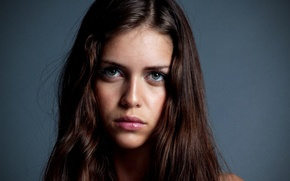 Picture model, brunette, Rubles Grenade, without make-up