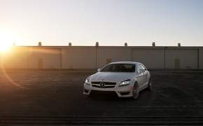 Picture white, the sun, rays, the city, photo, City, white, mercedes-benz, cars, auto, amg, cls 63, …