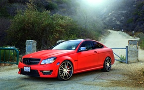Picture red, wheels, Mercedes Benz, AMG, C63, frontside