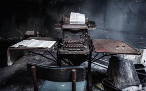 Picture dark, Abandoned, typewriter