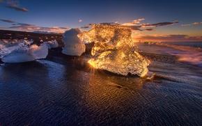 Picture ice, beach, light, the ocean, dawn