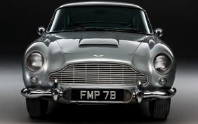 Picture car, silver, aston martin, 007