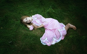 Picture sadness, grass, girl, loneliness, dress