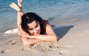 Picture Water, Sand, Beach, Girl, Look, Face, Girl, Eyes, Brunette, Earrings, Beauty, Face, Tina Kandelaki, Tina …