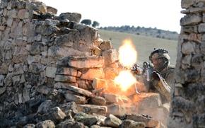 Picture soldiers, machine gun, M240L