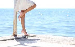 Picture dress, legs, water, heels