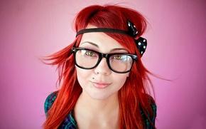 Picture Glasses, Kareem, Red Head, Piercing