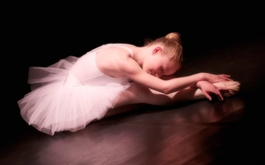Picture girl, ballerina, Pointe shoes