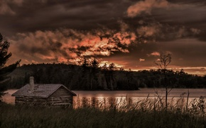 Picture forest, lake, the barn, Canada