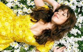 Picture chamomile, beauty, Anna Friel