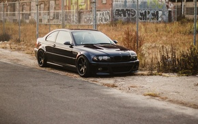 Picture the building, roadside, bmw, BMW, black, black, the fence, e46
