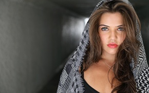 Picture girl, actress, Danielle Campbell, plump lips