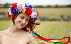 Picture face, wreath, redhead, face, redhead, smiling, wreath, smiling, Ukrainian, Ukrainian
