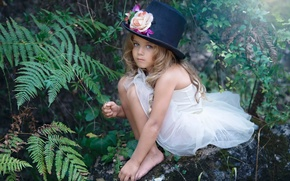 Picture hat, girl, magic, Susana of the Key