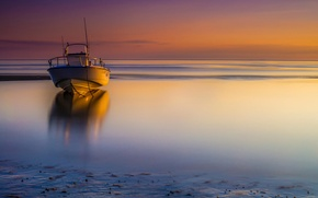 Picture boat, Massachusetts, State Of The Bays, Encounter Beach