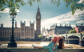 Picture girl, the city, London, dance, Marine Fauvet