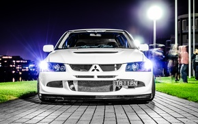 Picture white, night, the city, Mitsubishi, Lancer, Evolution, evo, Lancer, Mitsubishi