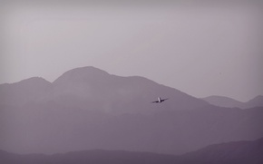 Picture the sky, mountains, the plane
